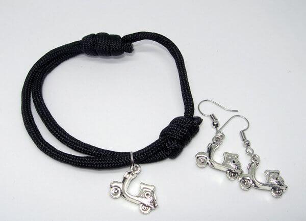 Fekete robogós karkötő-fülbevaló szett